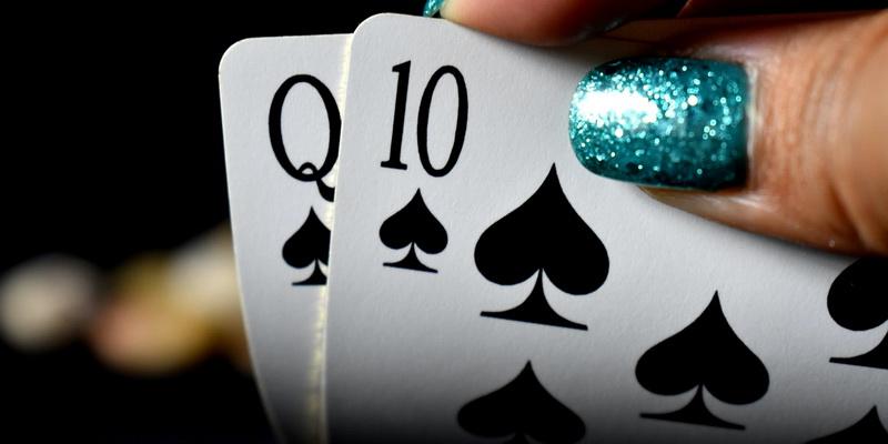 Dama ir dešimtakė Teksas poker žaidime
