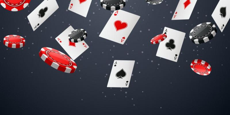 Kortos ir žetonai žaidimui pagal pokerio taisykles