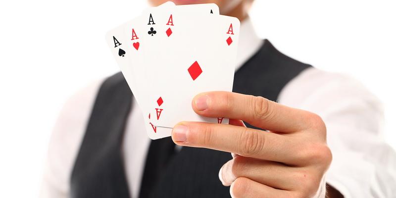 Pokerio kortu rūšys - pokerio kombinacijos lentelė
