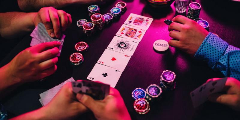 Realūs žaidimai keliasi į virtualią erdvę ir taip atsiranda internetinis pokeris Lietuvoje