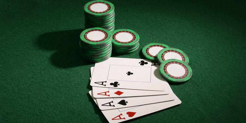 Keturios tikrai geros kortos ir 888 pokeris kurį siūlo pokerio kambariai lietuviams