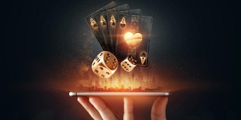 Keturi tūzai, kauliukas ir telefonas - free kazino akcijos, bonusai ir premijos